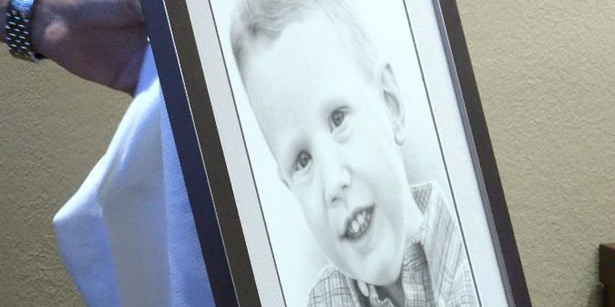 UMC presents portrait of late child to family