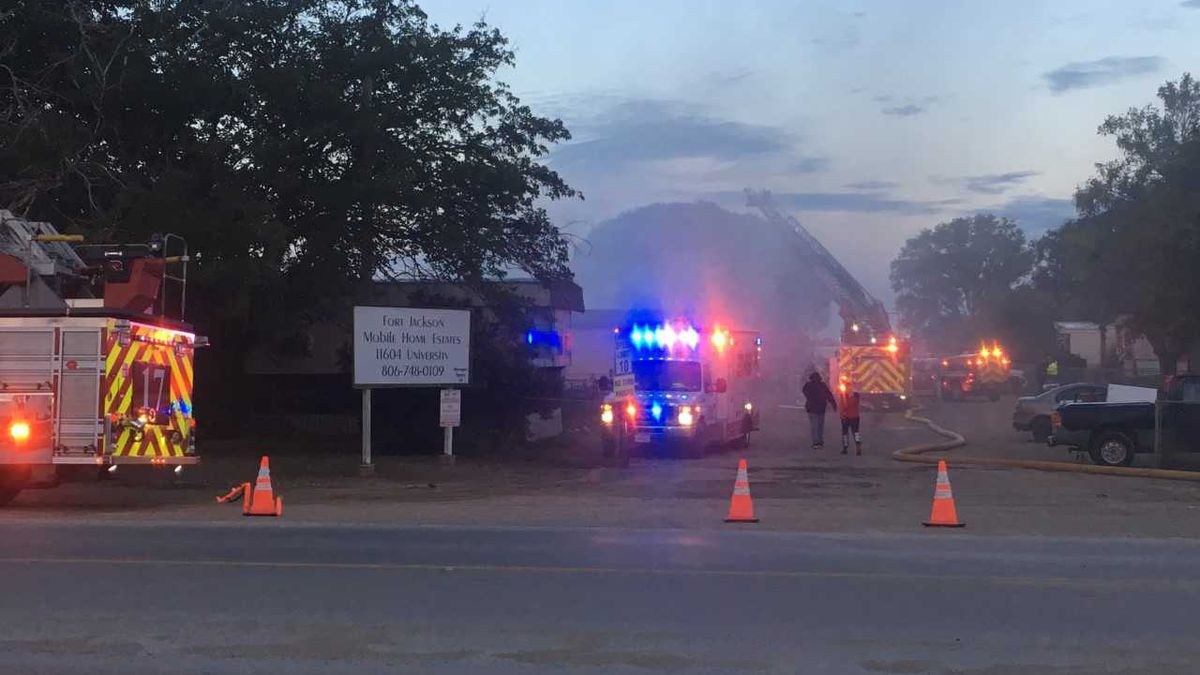 Authorities called to South Lubbock mobile home park fire