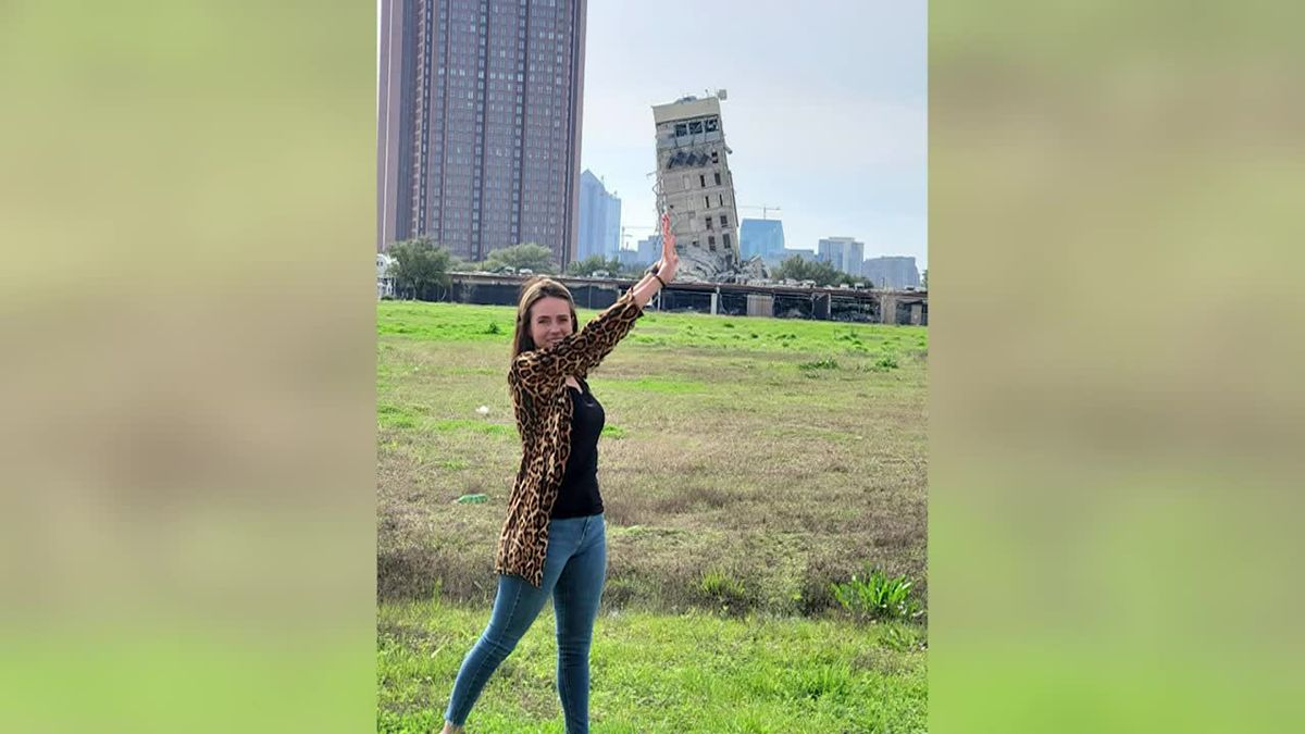 Sightseers flock to 'Leaning Tower of Dallas'