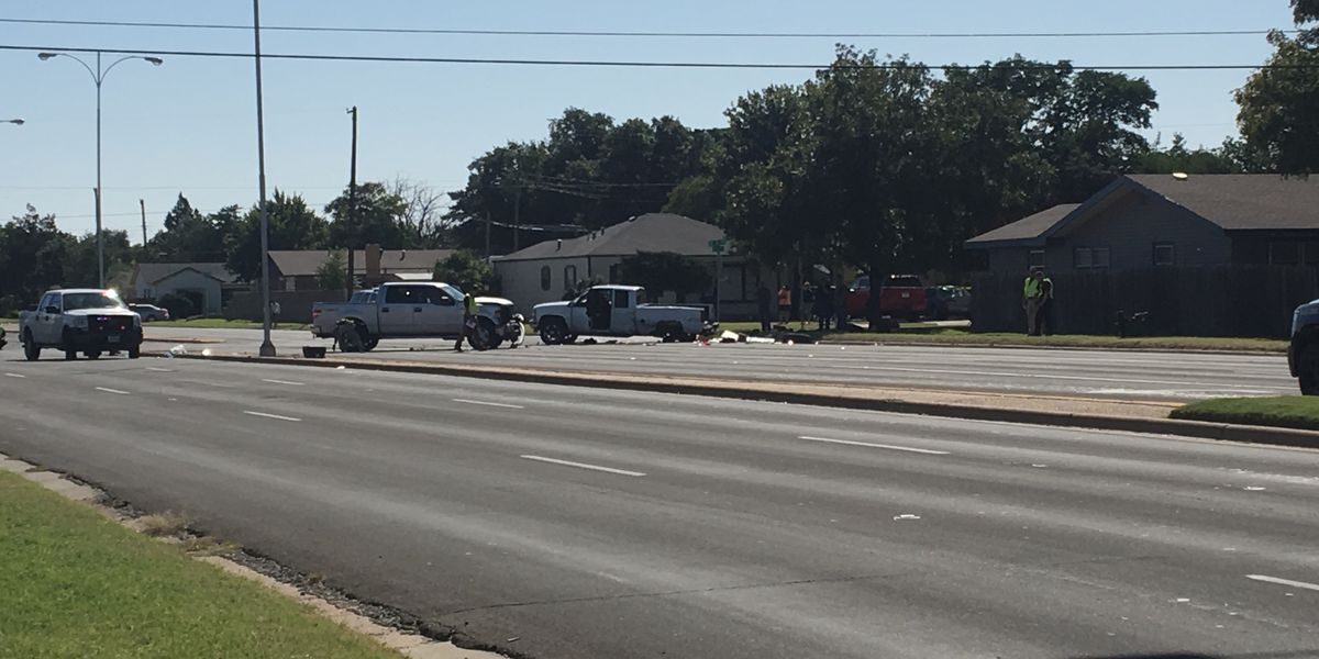 1 injured, 2 in custody after police chase ends in crash in 3900 block of University