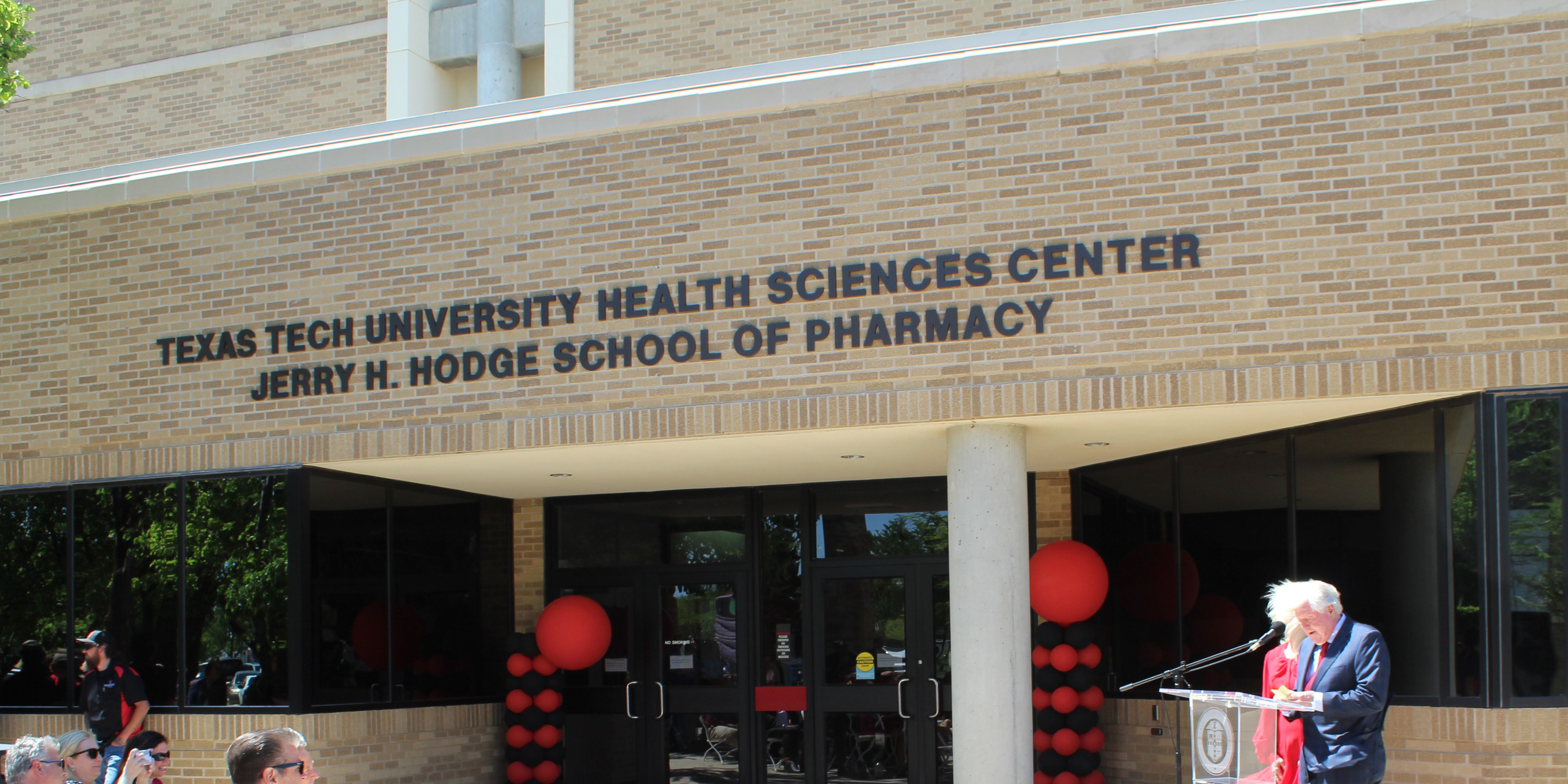TTUHSC names its School of Pharmacy to honor Jerry Hodge
