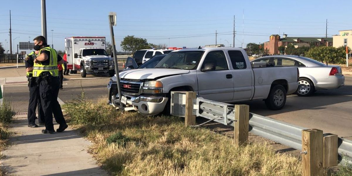 2 vehicle crash at I-27 and Slaton Road Thursday morning