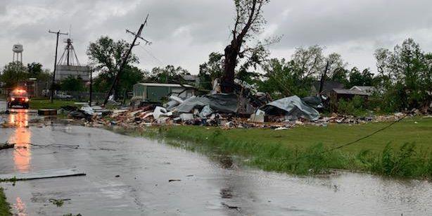 PHOTOS: Half of Franklin, TX destroyed by Saturday morning tornado