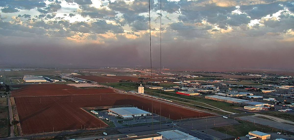 HERE IT COMES: Wall of dust heading for Lubbock