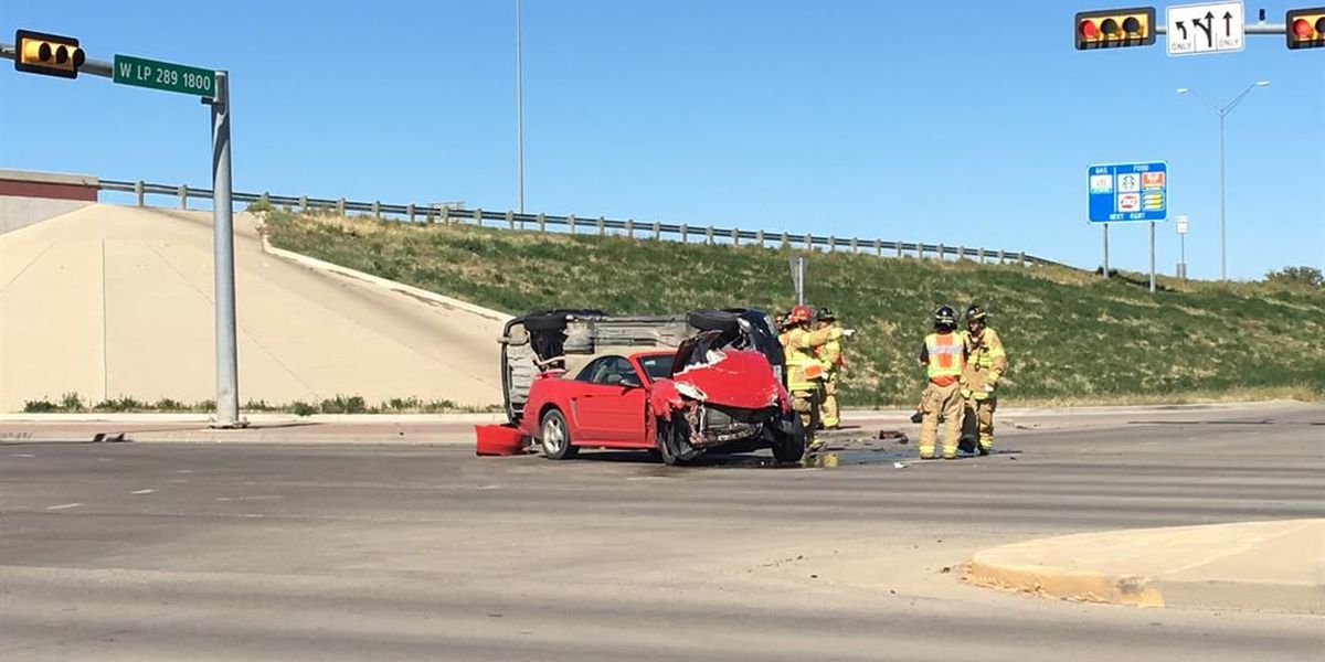 Rollover at West Loop 289 at 19th Street