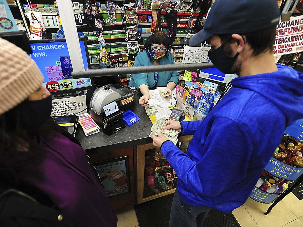 Mega Millions jackpot now $970M; Powerball up to $730M