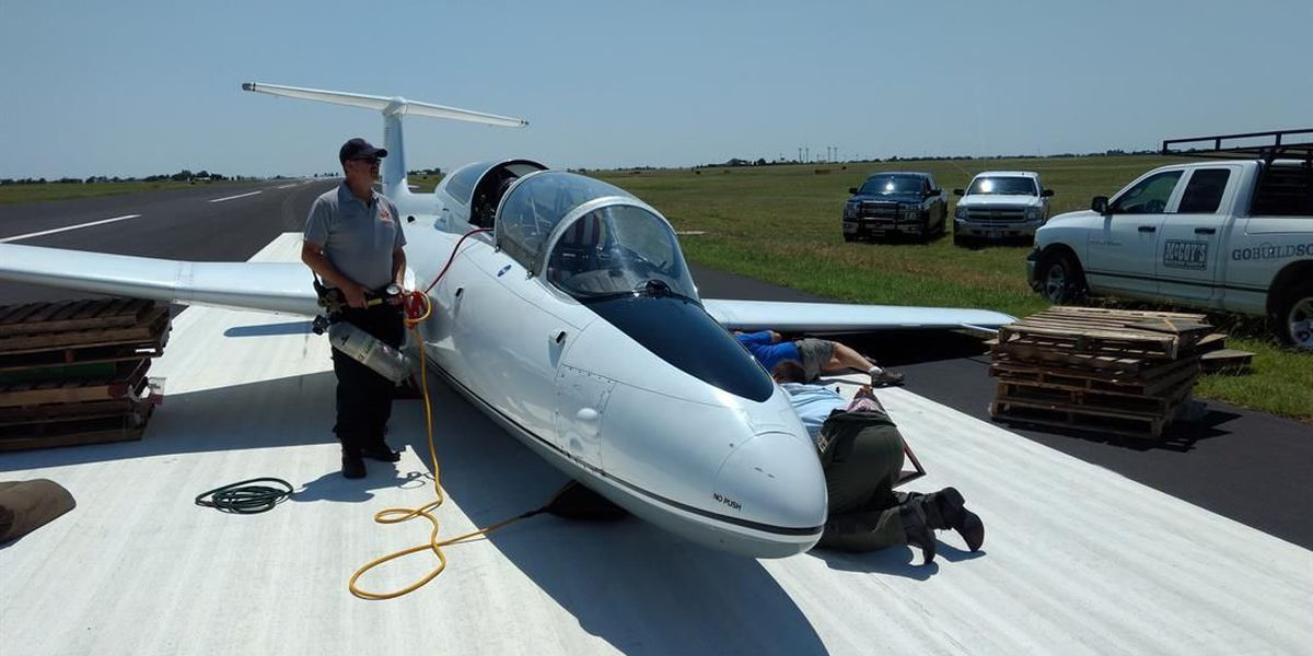 60s-era jet makes emergency landing in Plainview