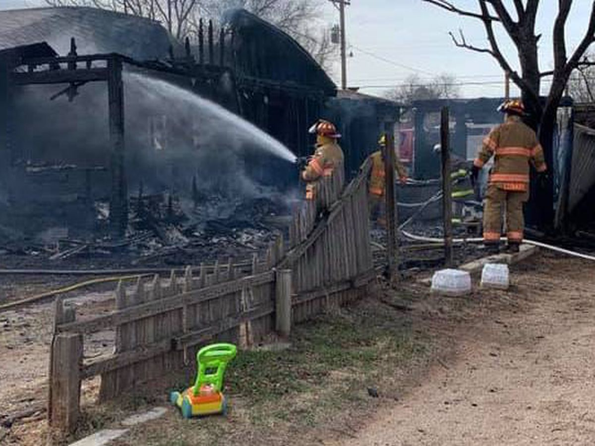 1 house damaged, 1 destroyed in Cochran County fire
