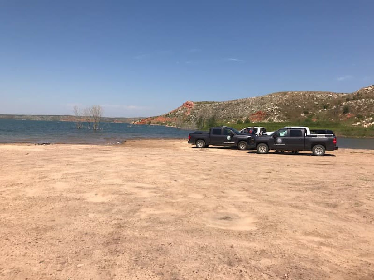 Body of 17-year-old recovered at Lake Meredith