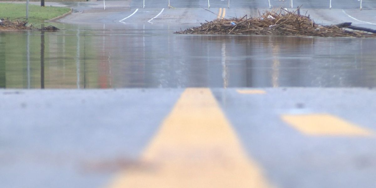 Localized flooding causes issues for drivers