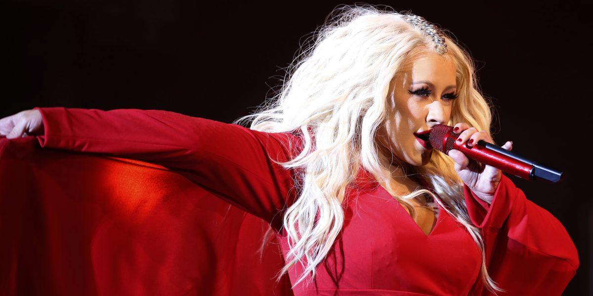 Christina Aguilera headlines New Year's Eve in Times Square