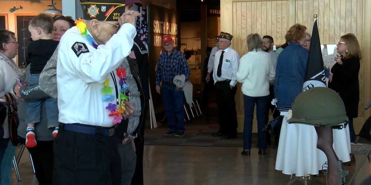 Lubbock veterans remember Pearl Harbor at Silent Wings Museum