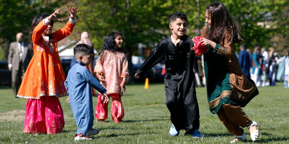 For Muslims in America, Eid al-Fitr comes as pandemic eases
