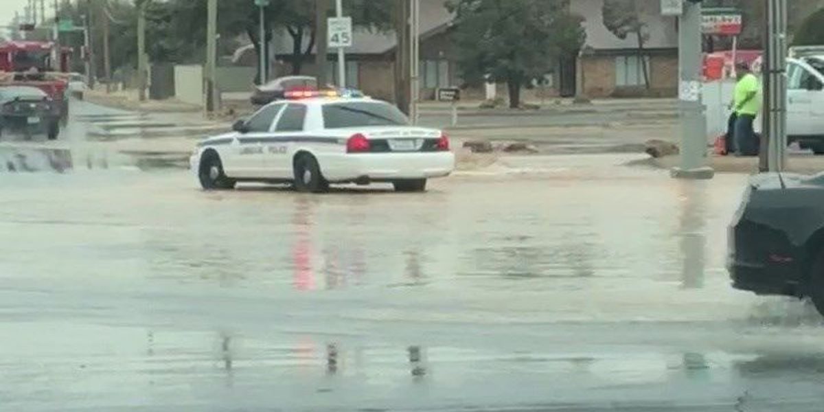TRAFFIC ALERT: Traffic diverted as city repairs fire hydrant at 82nd & Indiana