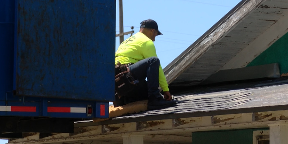 New law to protect Texans against common roofer scam