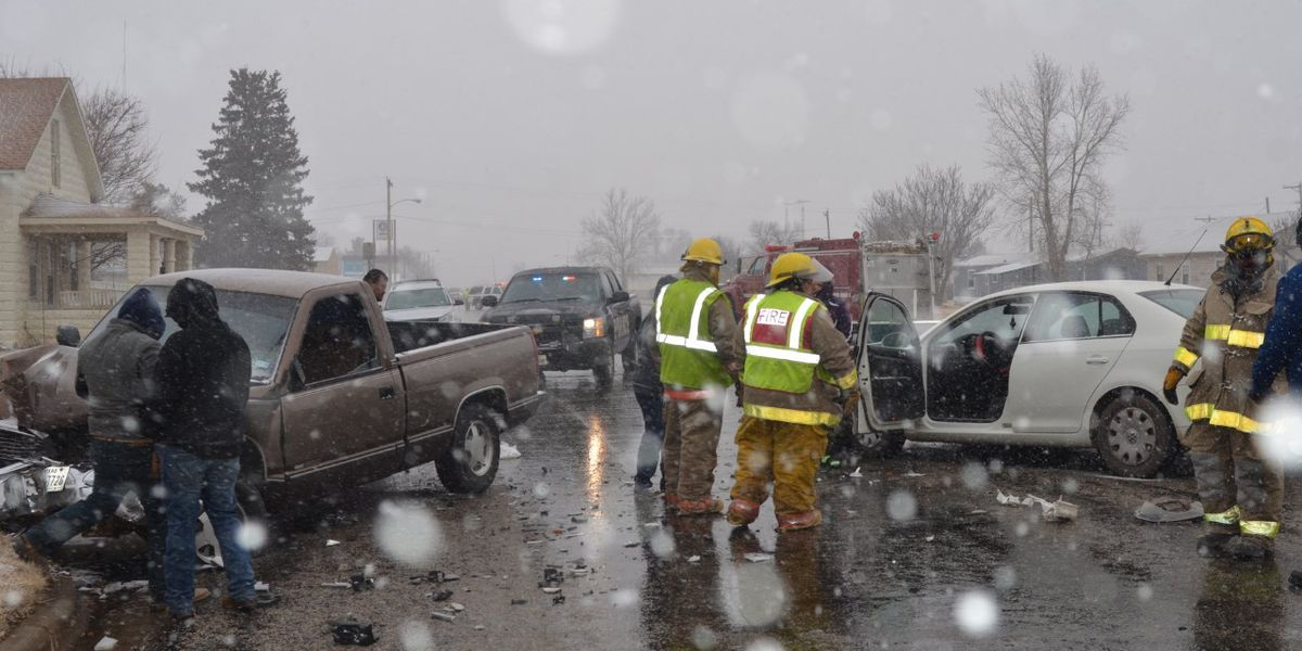 2 High School students injured in wreck as snow started falling in Olton