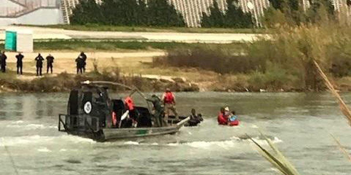 Border patrol agents rescue 5 Honduran migrants attempting to cross the Rio Grande