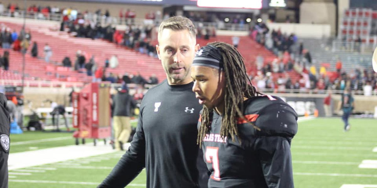 Alan Bowman of Texas Tech hospitalized due to partially collapsed lung