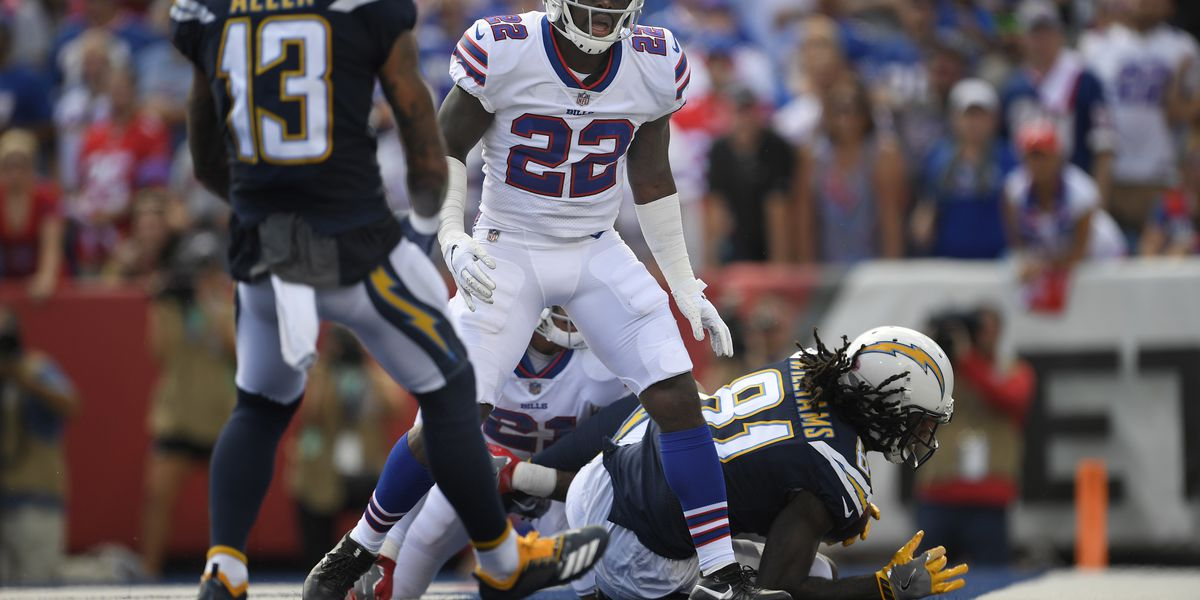 Bills safety Vontae Davis quits, retires at halftime of game against Chargers