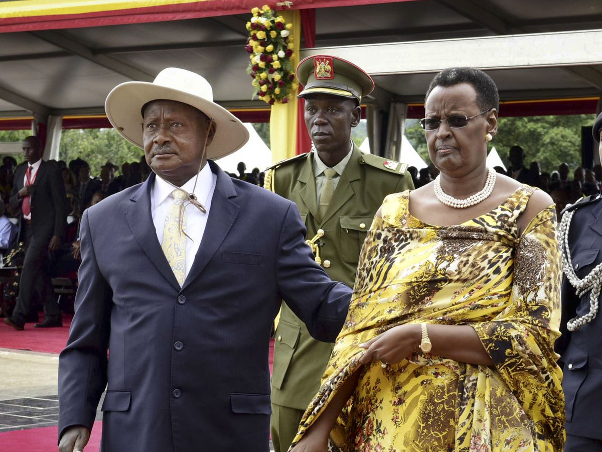 Can we talk? Ugandans try to coax longtime leader to leave