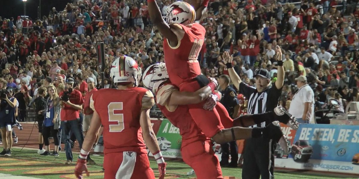 Coronado High School football star works with team to overcome unique obstacles