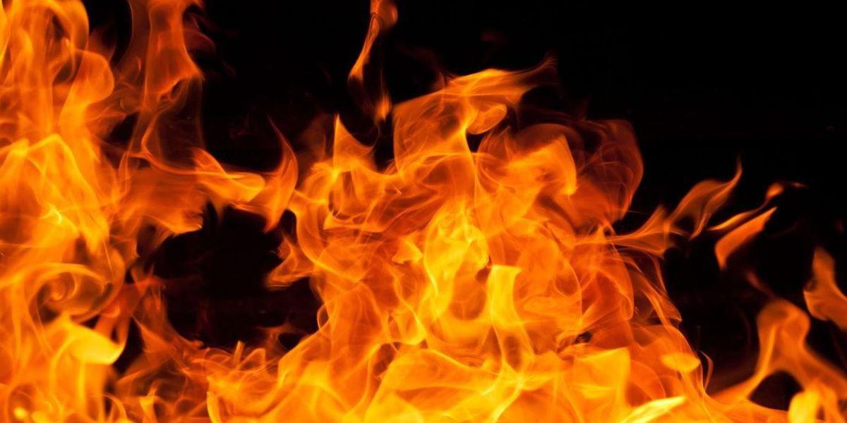Lubbock firefighters help 3 escape house fire through window