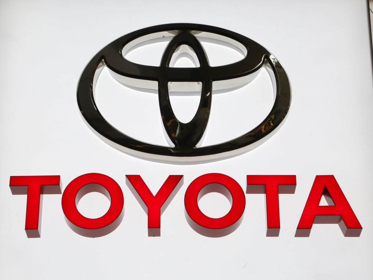 Toyota adds 361K older vehicles to Takata air bag inflator recall