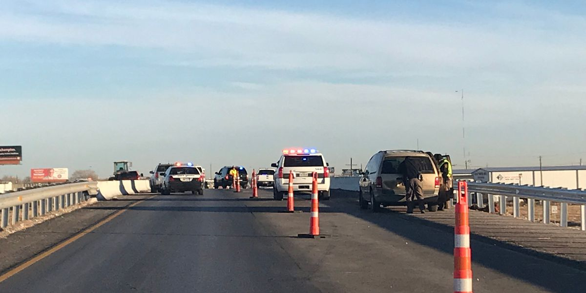 TRAFFIC ALERT: Northbound Highway 87 blocked off at 98th Street overpass, traffic diverted