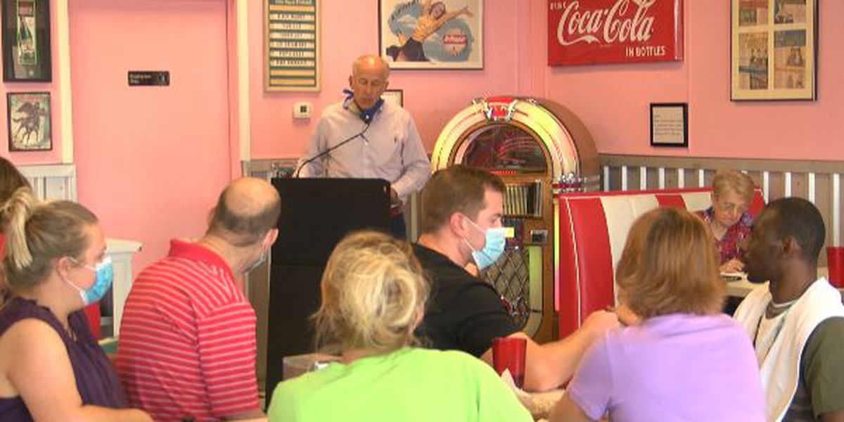 Pope explains his take on masks and schools reopening at Ice cream with the Mayor