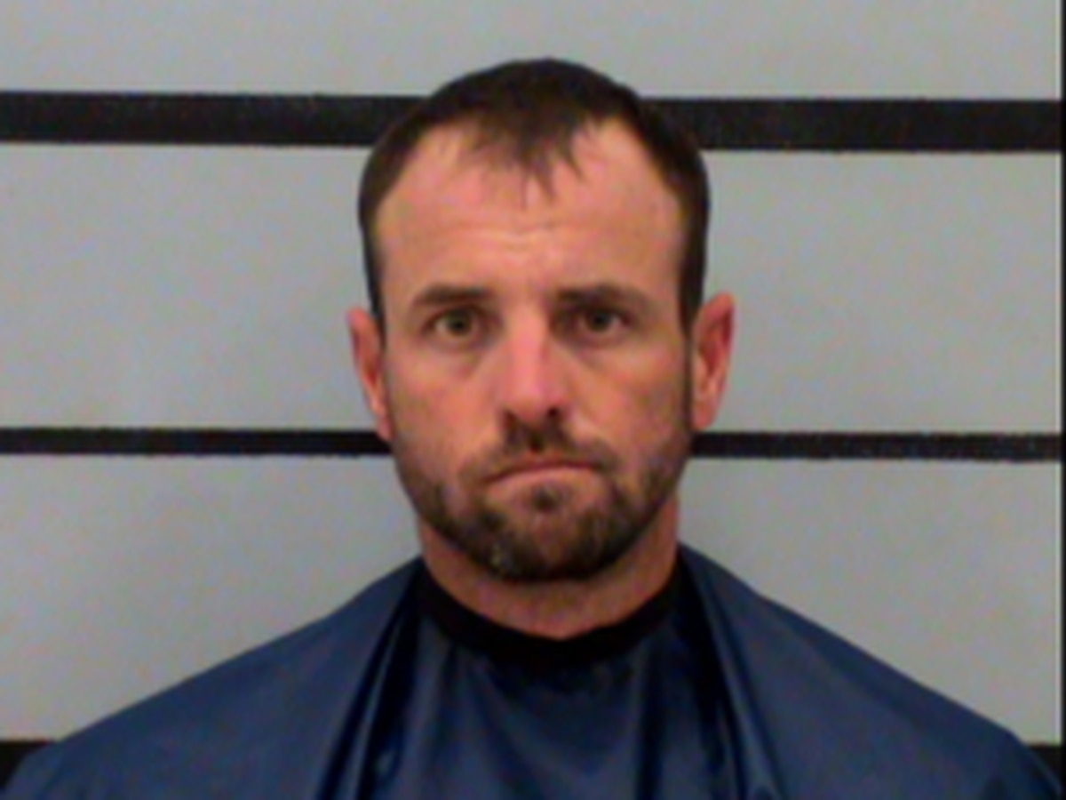 Lubbock man indicted for impersonating a public servant, attempted to pull over driver