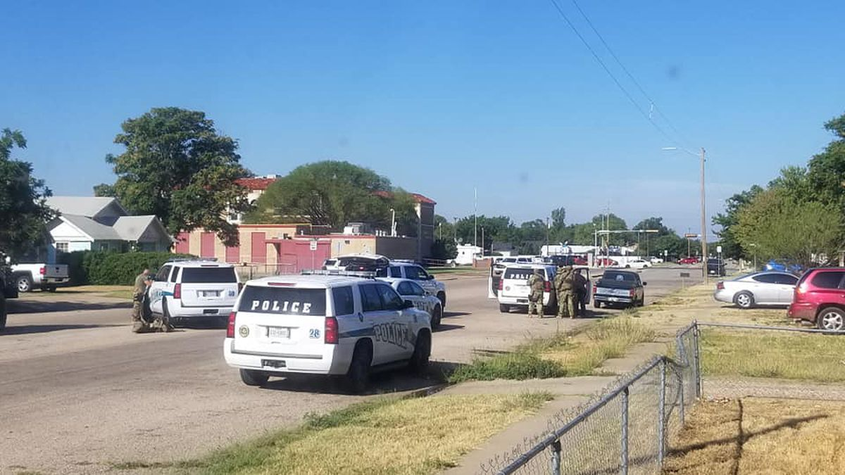RAW VIDEO: Suicidal man shot, killed after pointing handgun at Plainview police