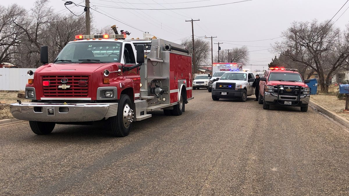 4 displaced, dog killed in Levelland house fire