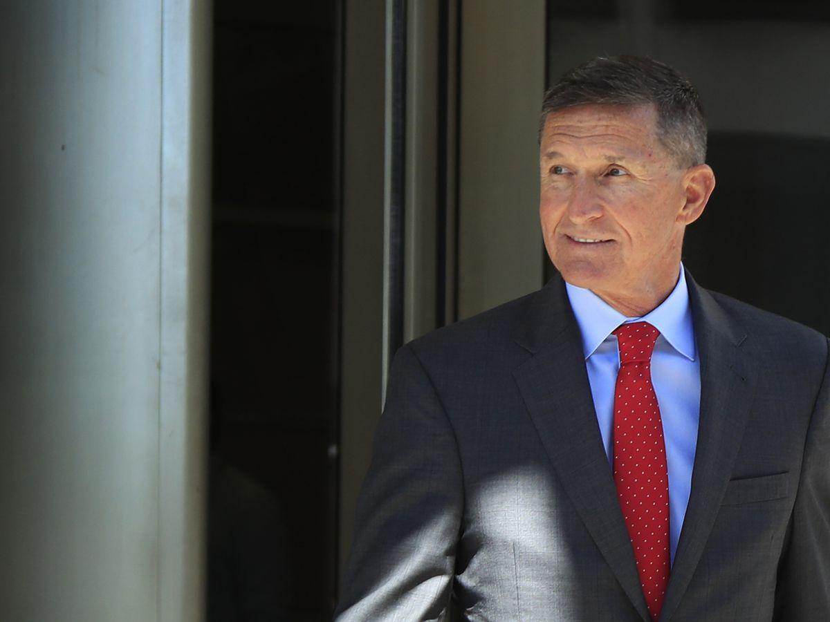 As sentencing looms, Flynn is upbeat, has adoring fans