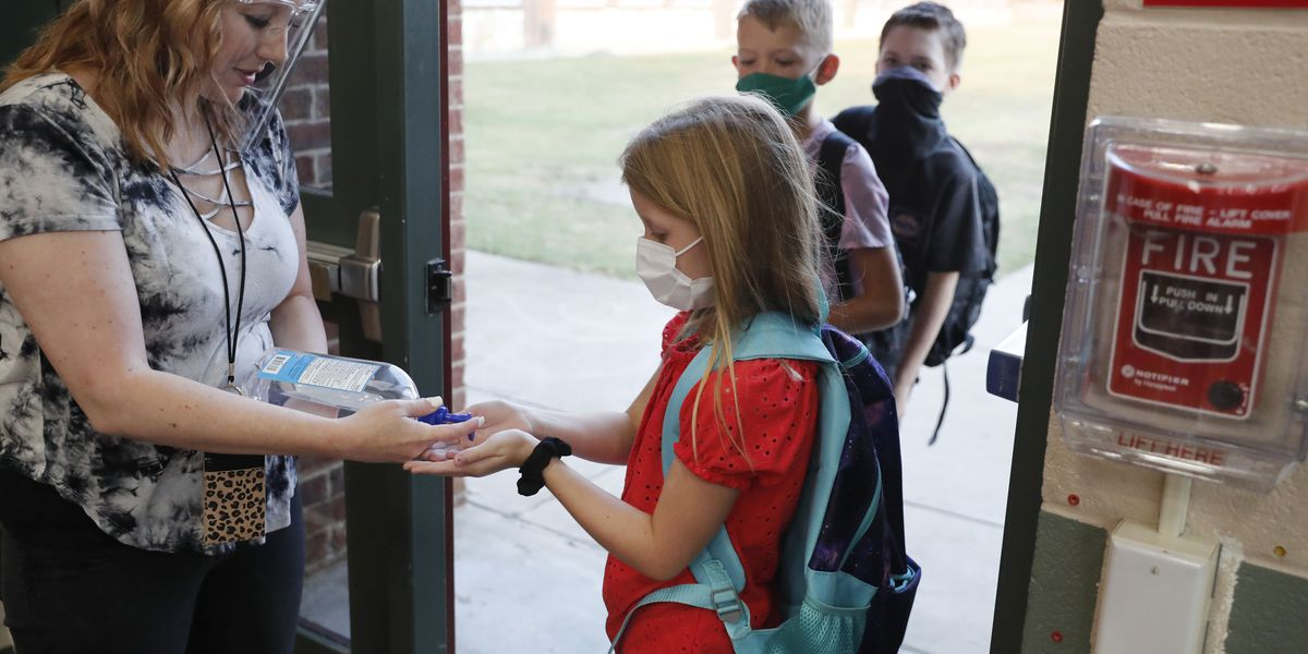 Schools face big virus test as students return to classroom