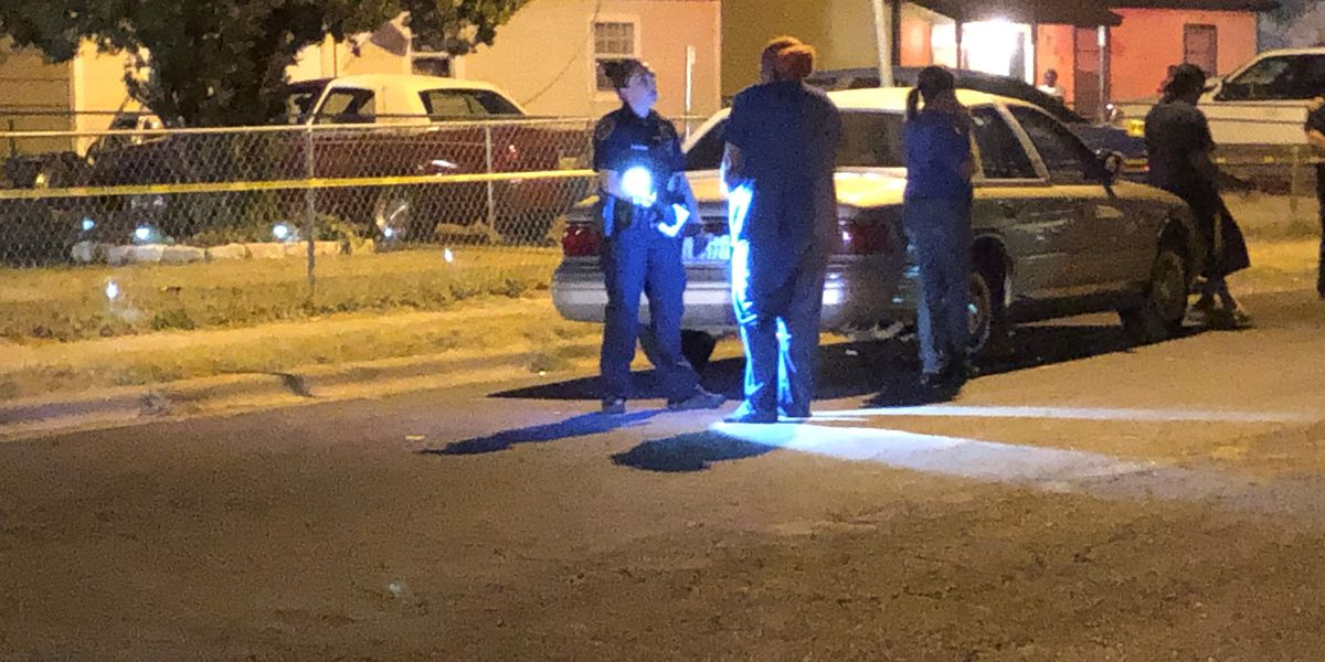 Police searching for suspect after shooting on east 10th Street