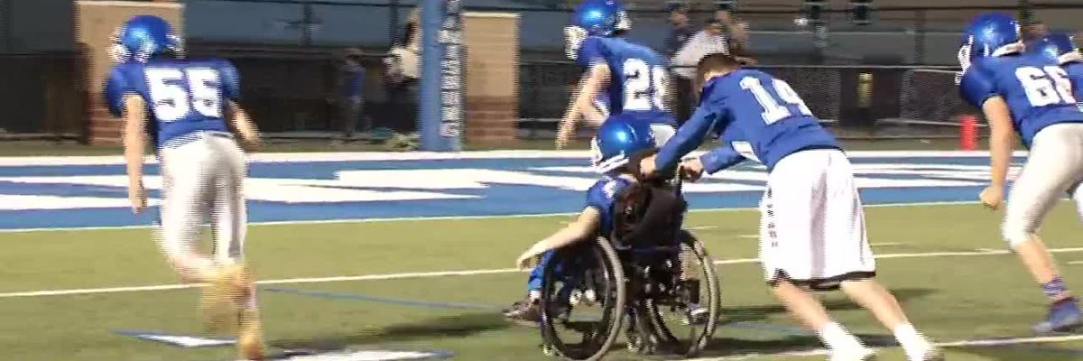 Football team manager in wheelchair scores TD in game