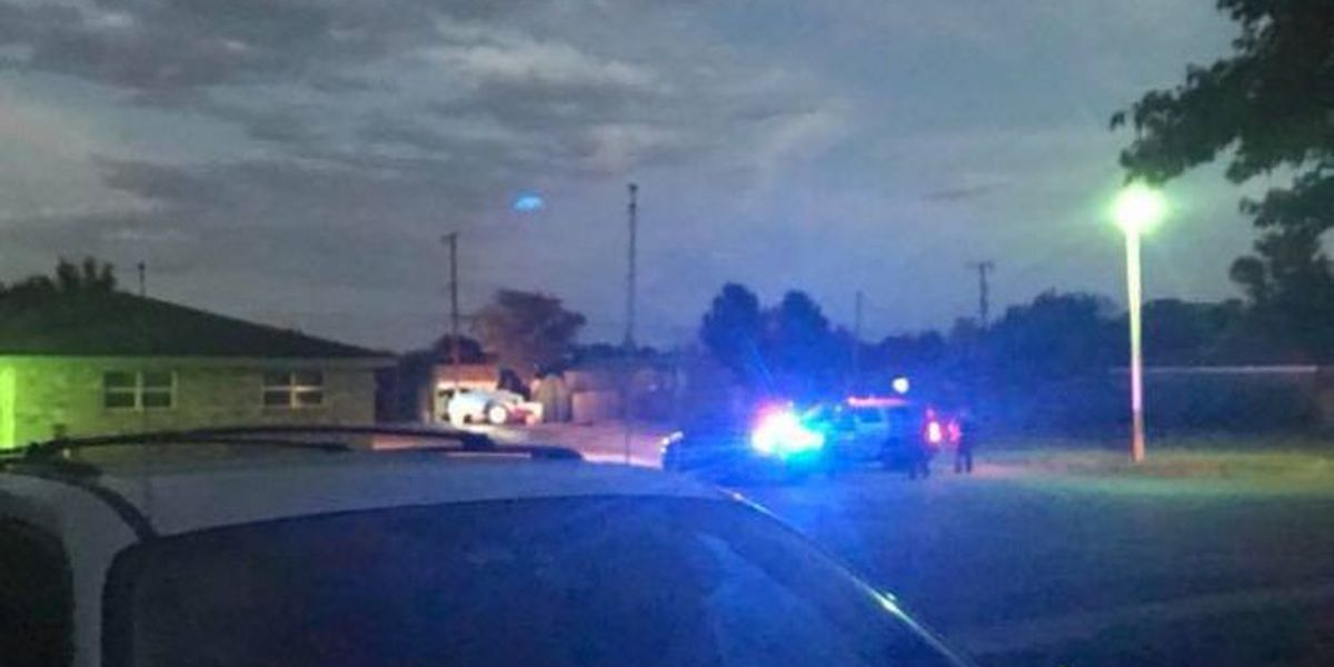 Hockley County authorities searching for suspect after Levelland standoff