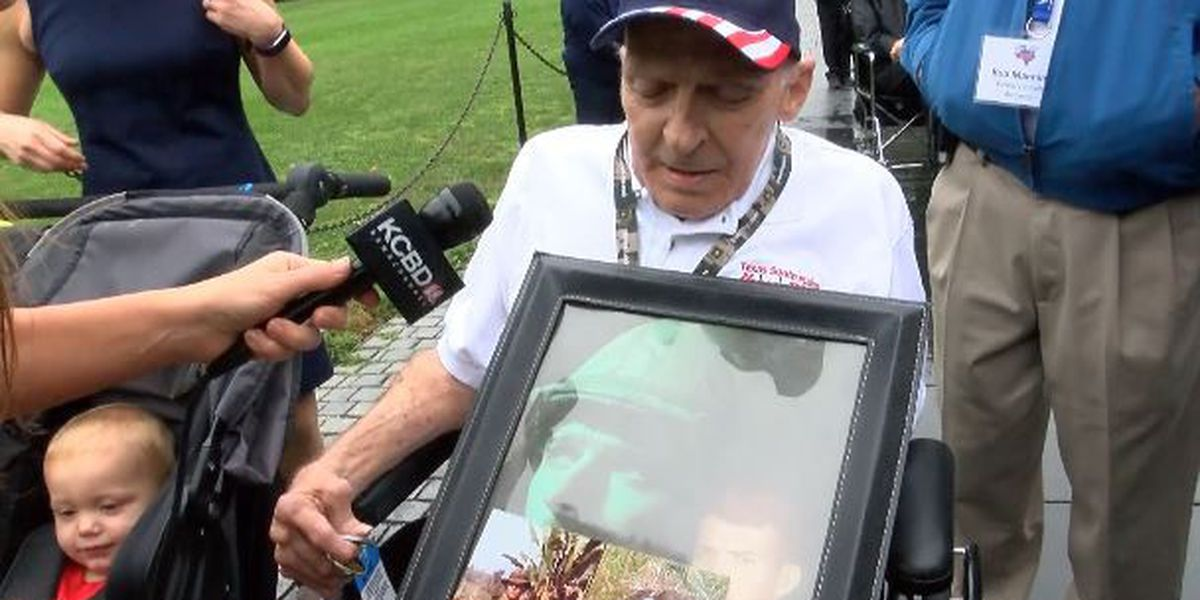 Veteran visits Vietnam War Memorial Wall for the first time