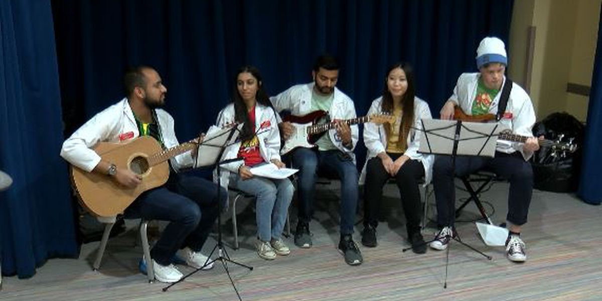 TTU Medical Students Bring Music and Medicine to Patients