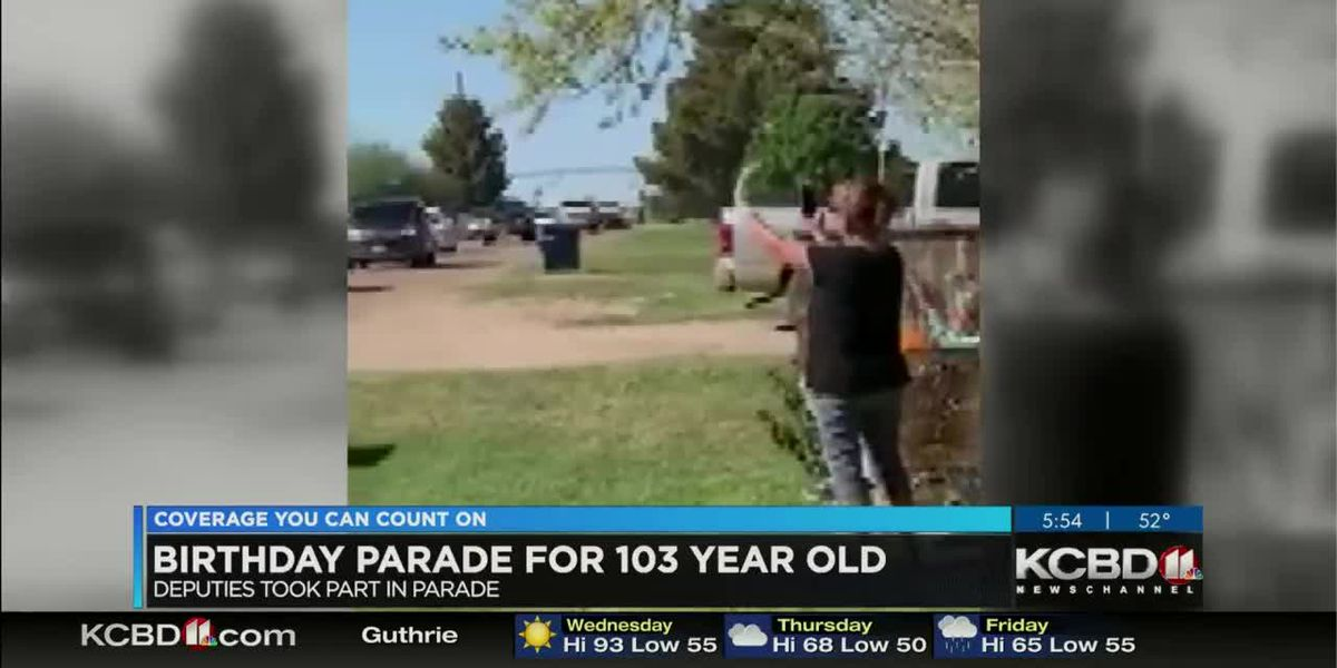 Sheriff's office leads parade for 103-year-old