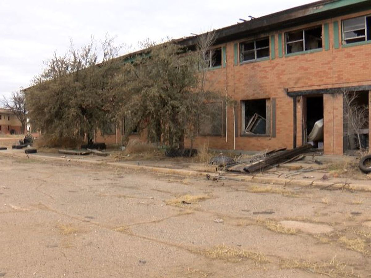 City to take 'first proactive step' in decades on abandoned East Lubbock apartment complex