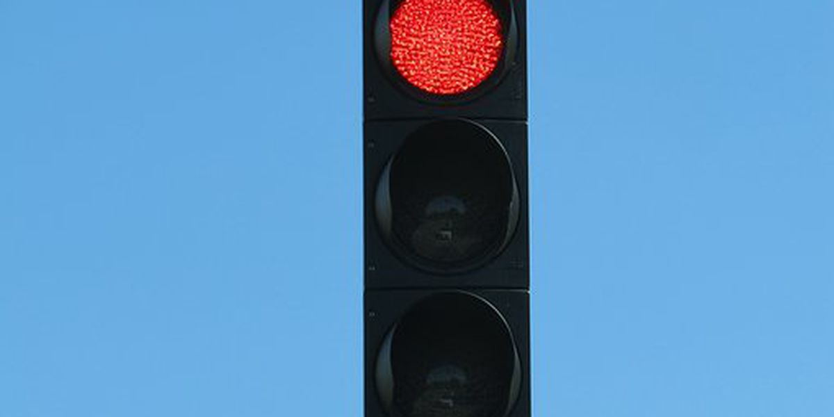 New traffic signal at 50th Street and Milwaukee Avenue