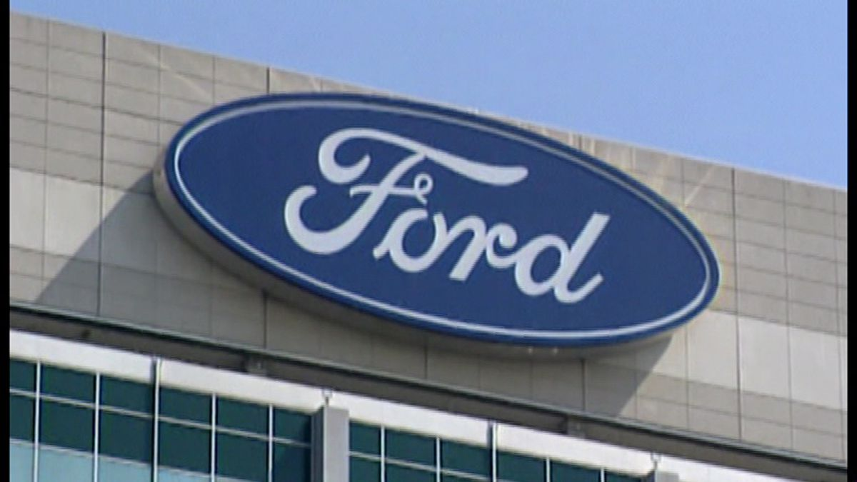 Ford loses track of dangerous air bags, forcing 2 recalls