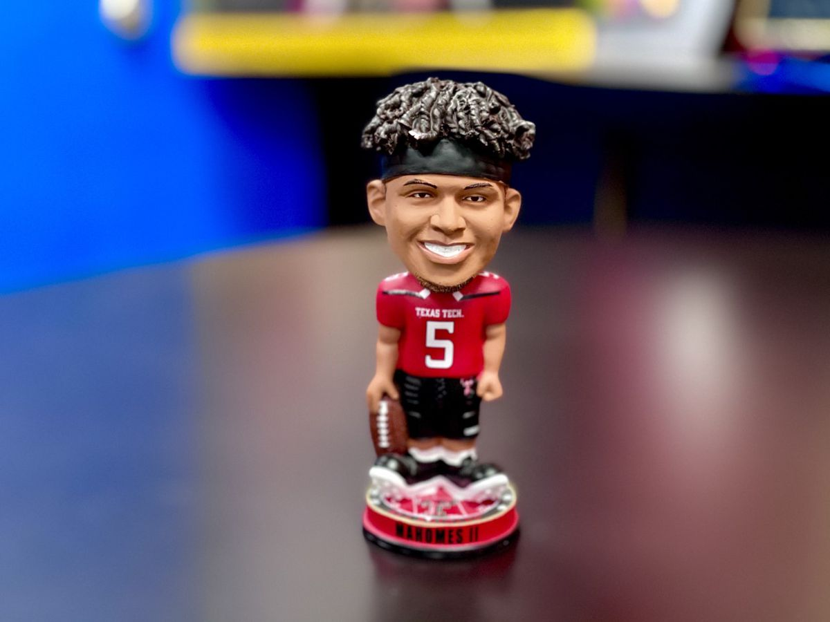 New Mahomes bobbleheads to be released Friday ahead of Chief's Super Bowl appearance