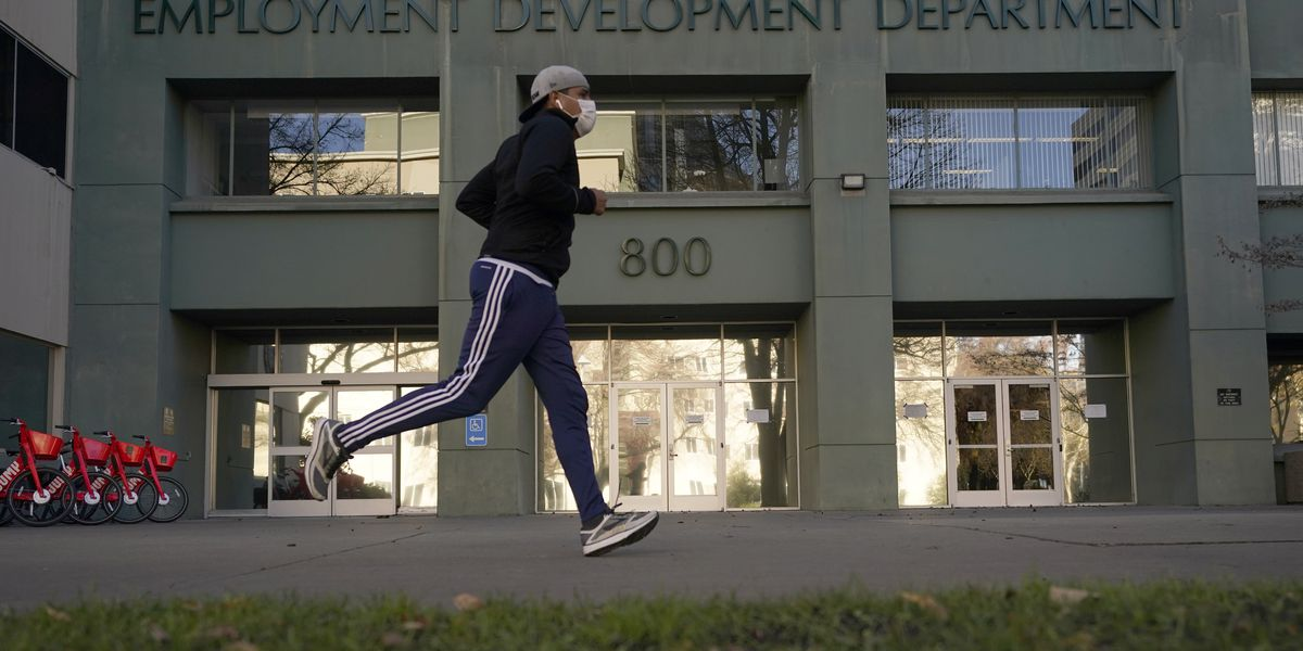 US jobless claims fall to 730,000