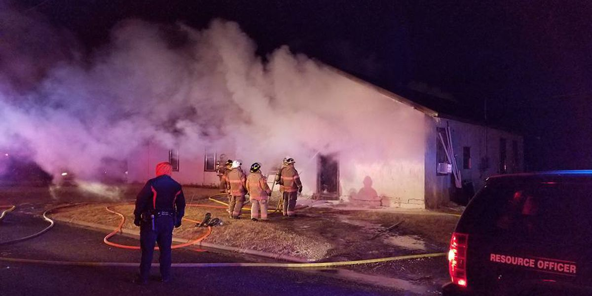 Levelland FD battles early morning house fire