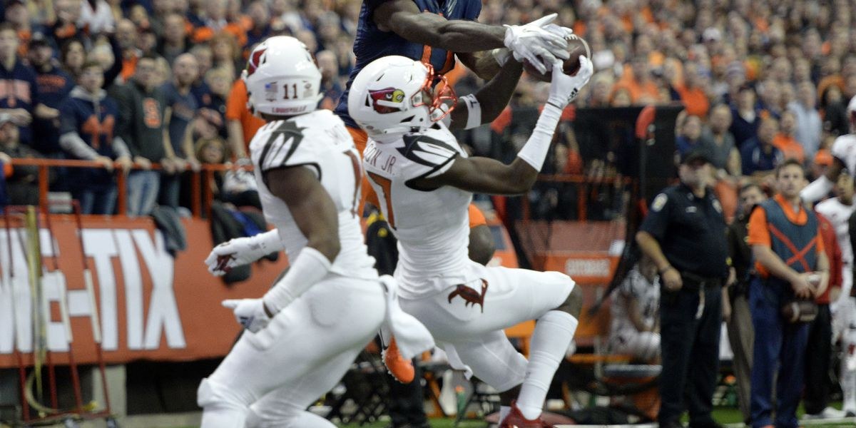 No. 13 Syracuse beats Louisville 54-23 _ perfect in dome