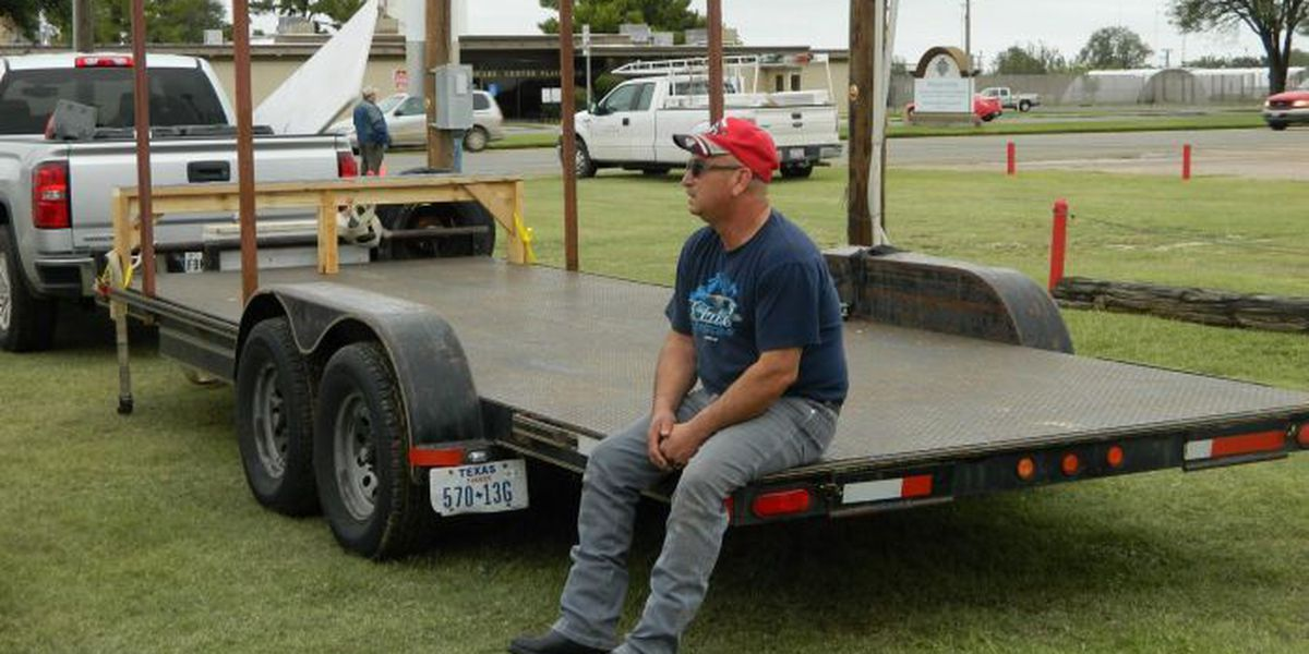 Plainview High School band searching for stolen trailer