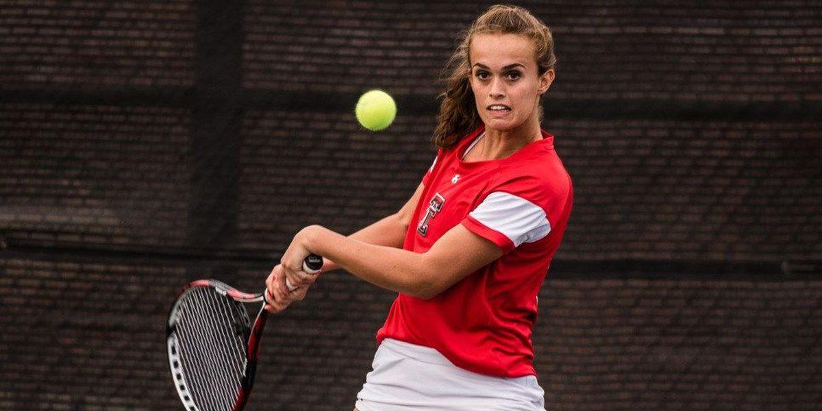 Women's Tennis advances to second round