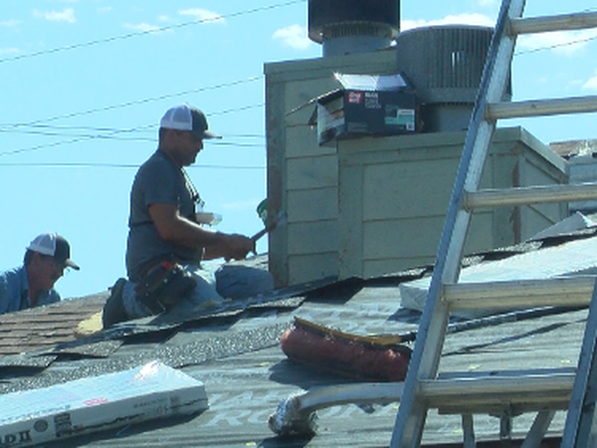 Roof repair crews enduring extreme heat across the South Plains